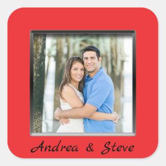 Etiqueta vermelha contratada do quadro do casal