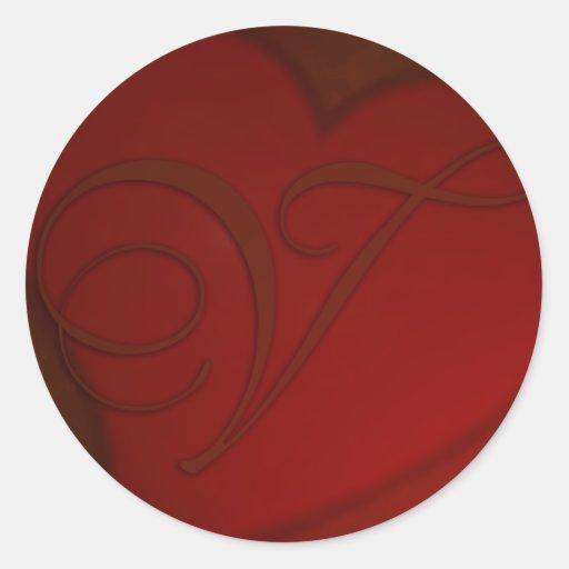Qual O Artesanato Das Ostras ~ Etiqueta vermelho escuro do monograma V do coraç u00e3o Adesivo Em Formato Redondo Za