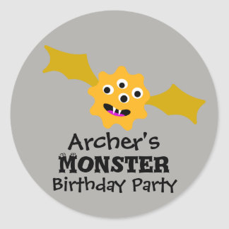 Etiquetas amarelas da festa de aniversário do