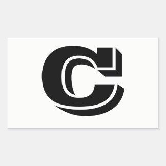 Etiquetas brancas da pia batismal da letra C