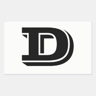 Etiquetas brancas da pia batismal da letra D