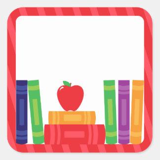 Etiquetas da escola com livros de escola