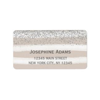 Etiquetas de endereço bege e de prata