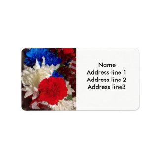 Etiquetas de endereço vermelhas, brancas e azuis