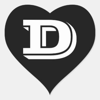Etiquetas do coração do preto da pia batismal da