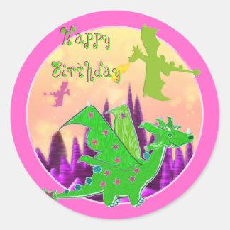 Etiquetas do dragão do feliz aniversario adesivo redondo