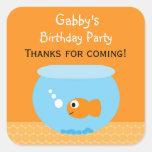 Etiquetas do favor de festa de aniversário do peix adesivos quadrados