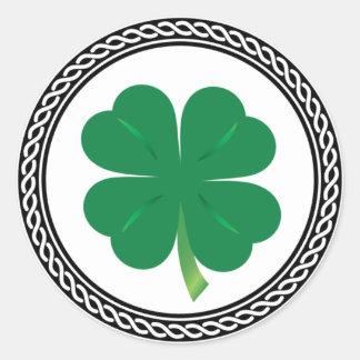 Etiquetas do trevo do dia de St Patrick do céltico