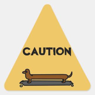 Etiquetas do triângulo do amarelo do cão do
