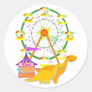 Etiquetas dos dinossauros da roda de Ferris Adesivo Em Formato Redondo