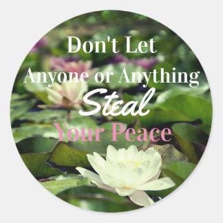 Etiquetas inspiradas da paz calma do lírio de água