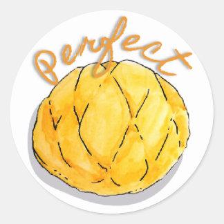 Etiquetas perfeitas do pão japonês da bandeja do