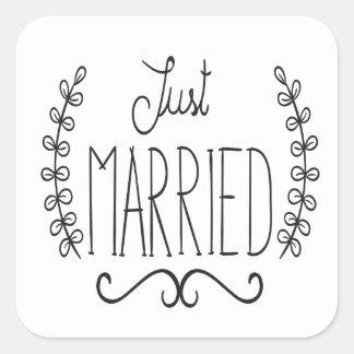 Etiquetas pretas & brancas do recem casados floral adesivo quadrado