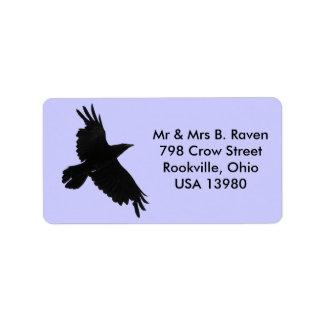 Etiquetas pretas de voo do corvo