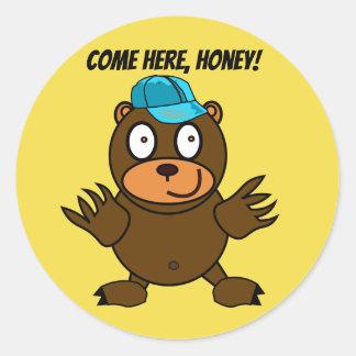 Etiquetas redondas do urso bonito de Cornelius
