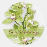 Etiquetas verdes do casamento da orquídea do adesivos redondos