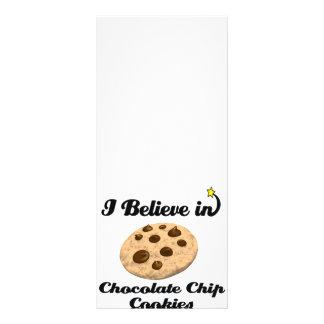 eu acredito em biscoitos dos pedaços de chocolate 10.16 x 22.86cm panfleto