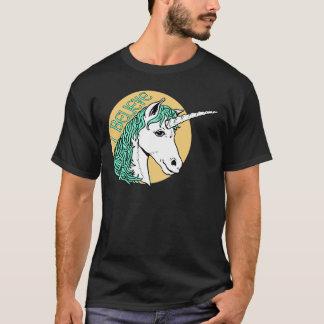 Eu acredito o unicórnio camiseta