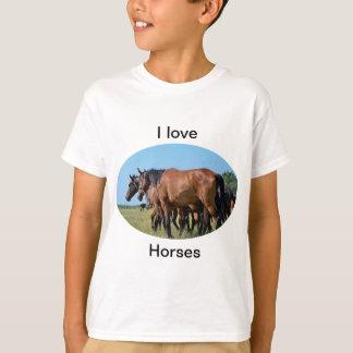 Eu amo a camisa bonita do cavalo de baía T dos
