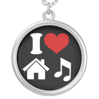 Eu amo a colar da música da casa