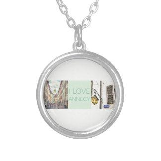 """""""Eu amo colar de Annecy"""" com pendente redondo"""