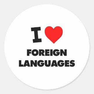 Eu amo línguas estrangeiras adesivo em formato redondo