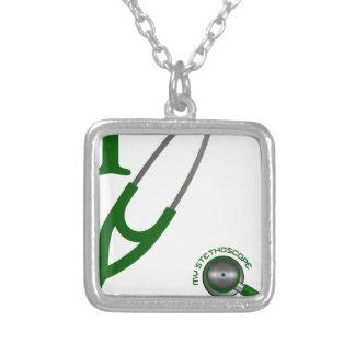 Eu amo meu estetoscópio - verde colar banhado a prata