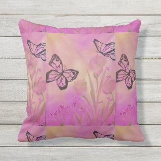 Eu amo meu travesseiro!! Borboleta cor-de-rosa Almofada