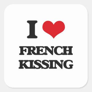 Eu amo o beijo francês adesivo quadrado