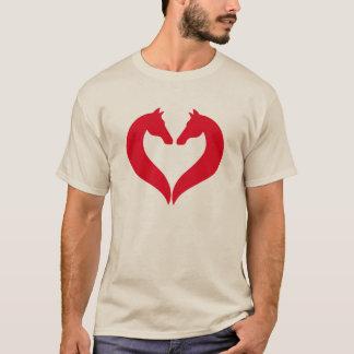 Eu amo os cavalos, coração vermelho com cabeça de camiseta