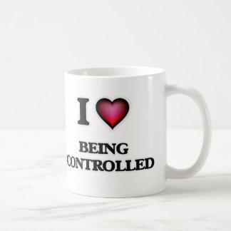 Eu amo ser controlado caneca de café