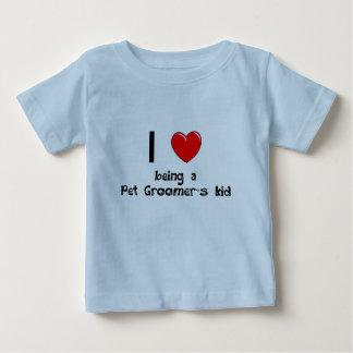 Eu amo ser t-shirt do miúdo de um Groomer do