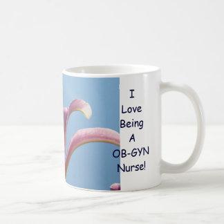 Eu amo ser uma enfermeira de OB-GYN! Flores do lír Caneca