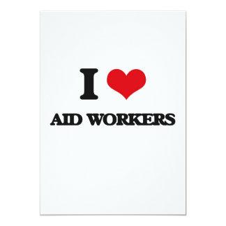 Eu amo trabalhadores de auxílio convites personalizados