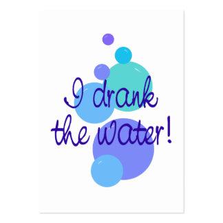 Eu bebi cartões do anúncio da água os mini modelo cartão de visita