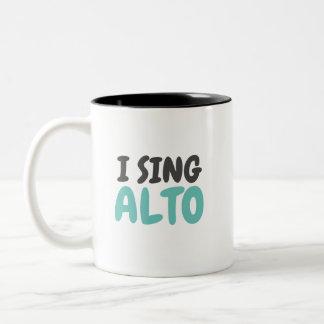Eu canto a caneca do Musical do alto