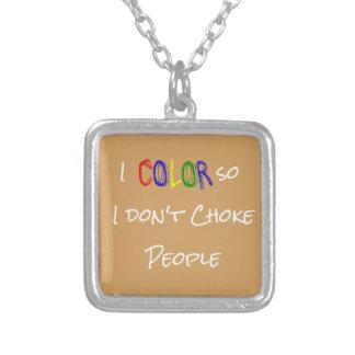 Eu coloro assim que eu não bloqueio pessoas da colar banhado a prata