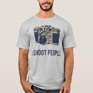 Eu disparo em pessoas da câmera da fotografia camiseta