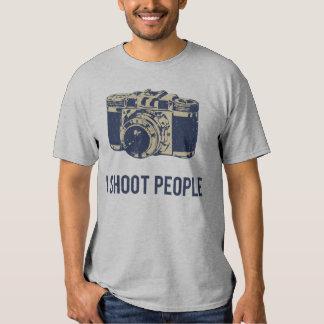 Eu disparo em pessoas da câmera da fotografia tshirt