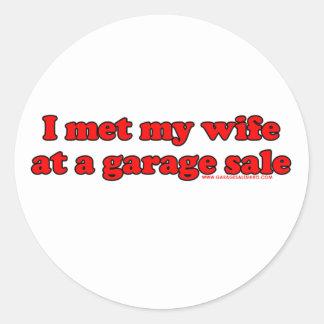 Eu encontrei minha esposa em uma venda de garagem adesivo