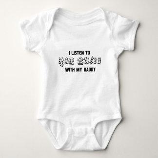 Eu escuto o música rap com meu pai body para bebê