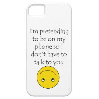 """""""Eu estou fingindo estar capa de telefone no meu"""