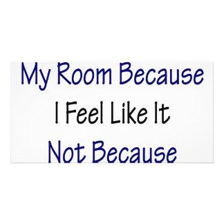 Eu estou limpando minha sala porque eu sinto como cartoes com fotos