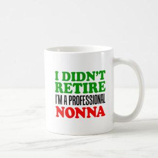 Eu não me aposentei a caneca profissional de Nonna