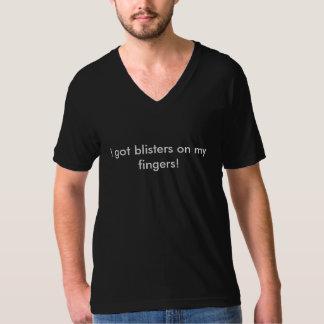 """""""eu obtive as bolhas t-shirt do V-pescoço nos meus"""