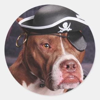 Eu pensa que eu sou um pirata! adesivo redondo
