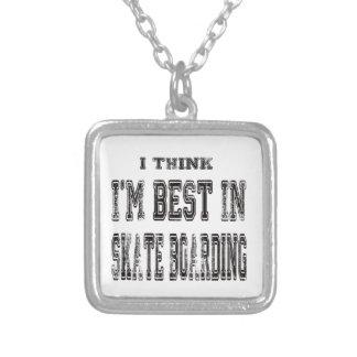 Eu penso que eu sou o melhor no embarque do skate bijuterias