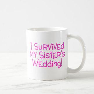 Eu sobrevivi a minhas irmãs que Wedding o rosa Caneca