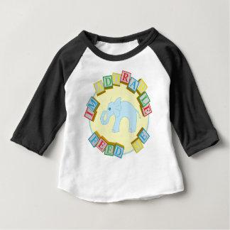 """""""Eu sou adorável, alimento-me!"""" Design do Camiseta Para Bebê"""