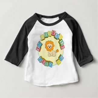 Eu sou adorável alimento-me! Design do macarronete Camiseta Para Bebê